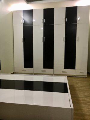 tủ to kịch trần 7 buồng trắng đen